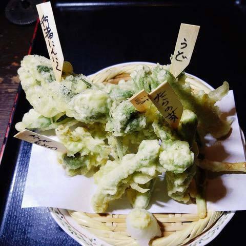 200309山菜天ぷら.jpg